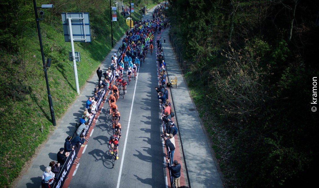 bunch up the Cauberg50th Amstel Gold Race 2015