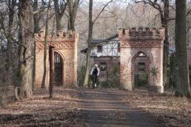 Od zamku w Niemodlinie do pałacu w Mosznej (i z powrotem)
